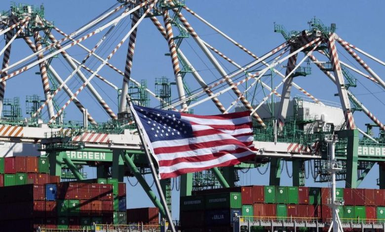 Big US businesses pledge to extend working hours to ease supply chain backlogs