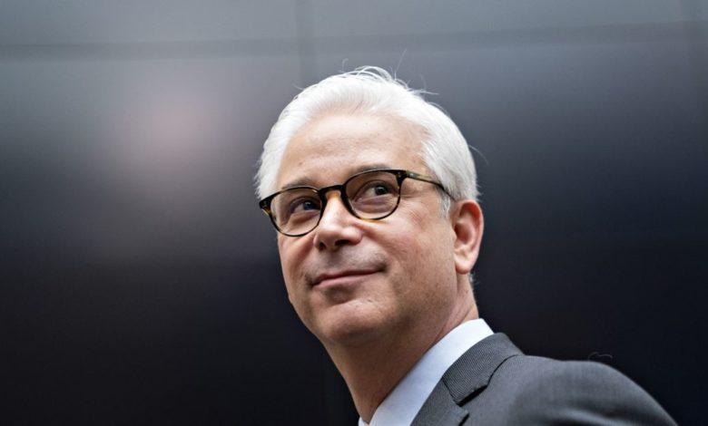 Wells Fargo's latest regulatory stumble puts CEO in hot seat
